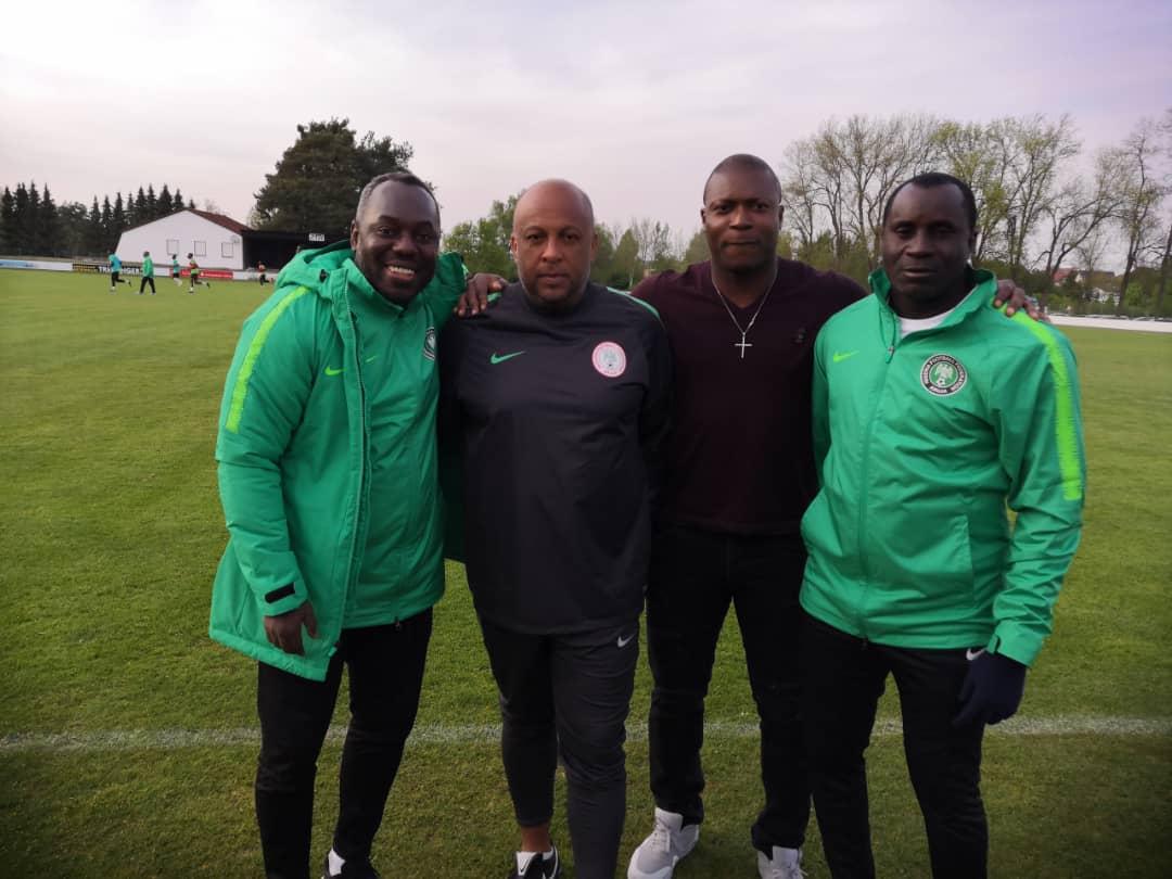 Yakubu Ayegbeni visits Flying Eagles in Germany camp