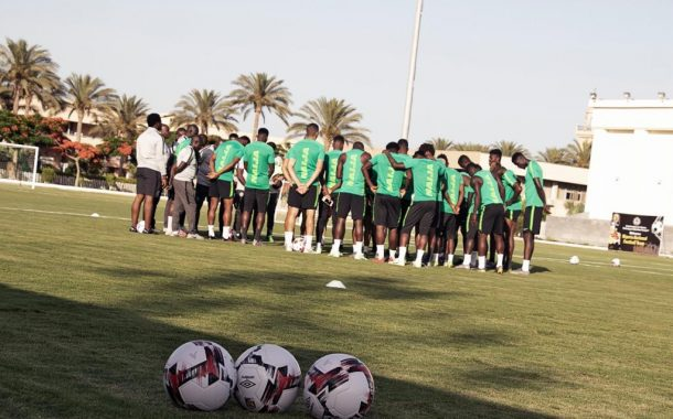 Super Eagles official receive visas, off to Singapore